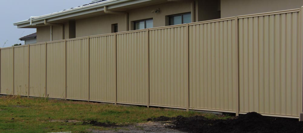 Colorbond-Sheet-Fencing-Colour-Classic-Cream