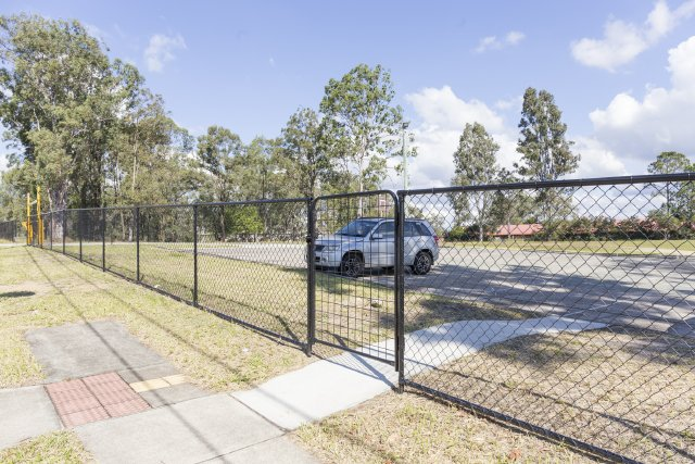 Commercial fencing 1500 high