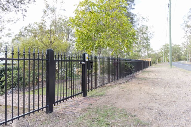 Classic Aluminium garden fencing with T spears - PA gate with GSM intercom