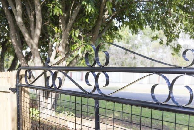 scroll heritage gate